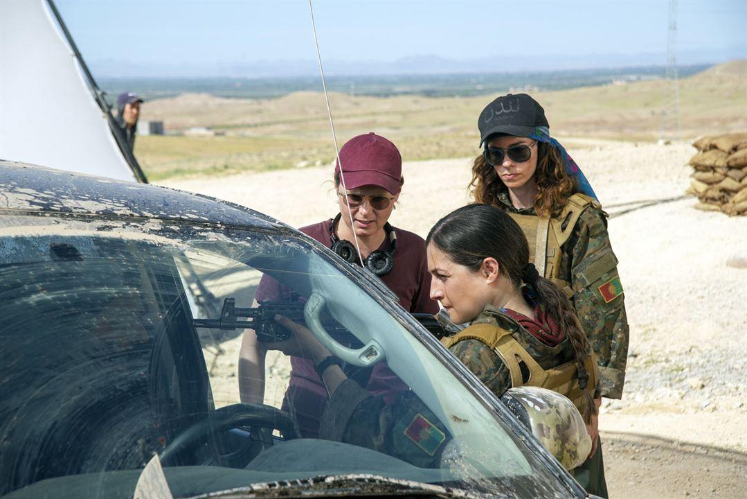 Operation Red Snake - Band Of Sisters: Noush Skaugen, Caroline Fourest, Dilan Gwyn