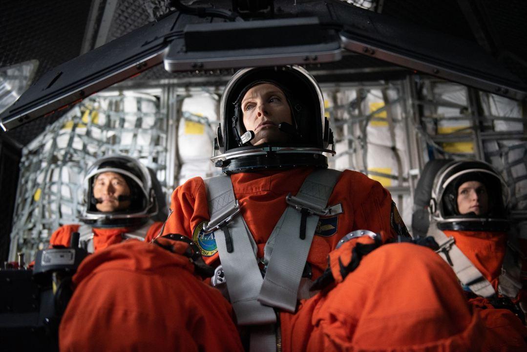 Stowaway - Blinder Passagier: Toni Collette, Daniel Dae Kim, Anna Kendrick