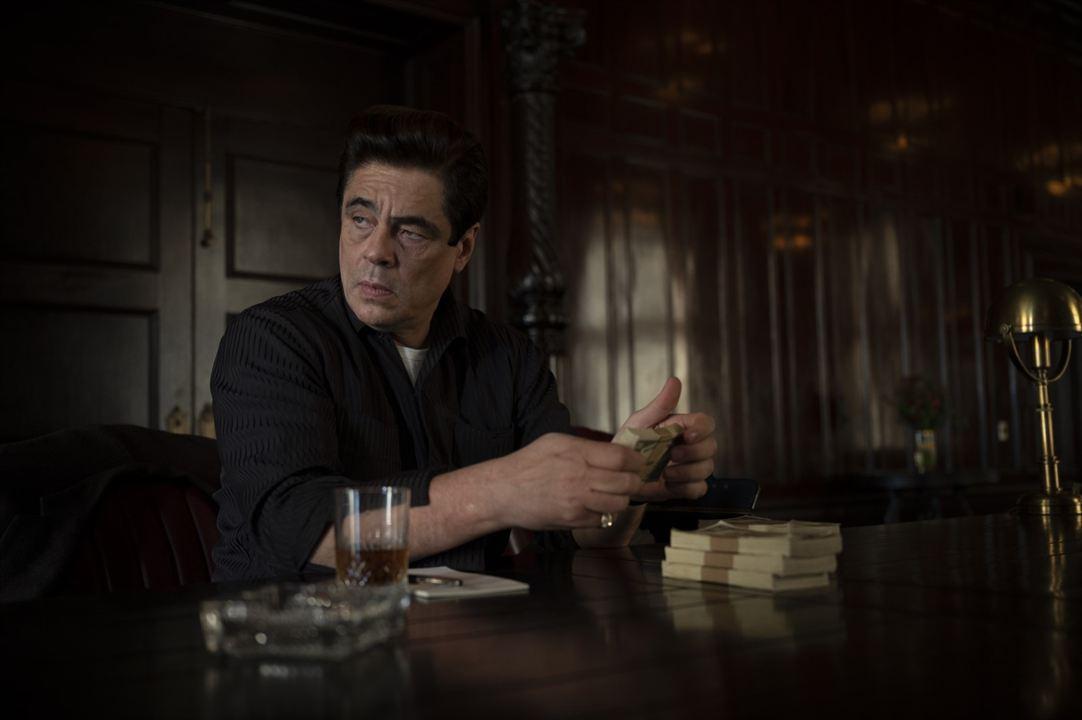 No Sudden Move: Benicio Del Toro
