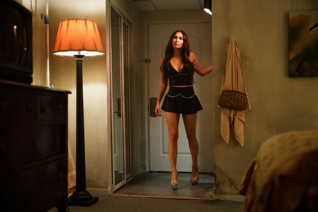 Midnight in the Switchgrass - Auf der Spur des Killers: Megan Fox